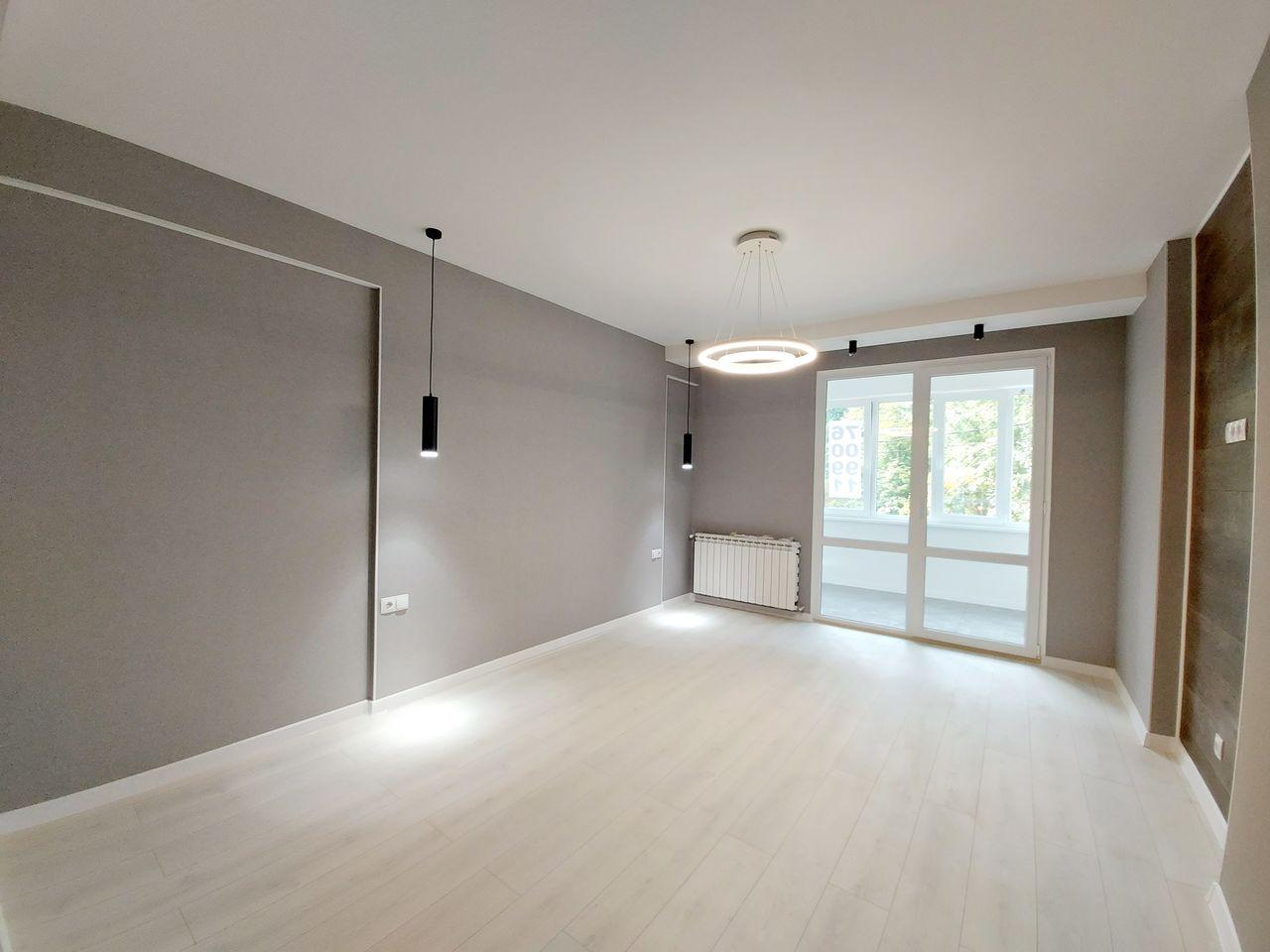 Apartament cu 2 dormitoare la etajul 2/9, finisat la cheie, Centru