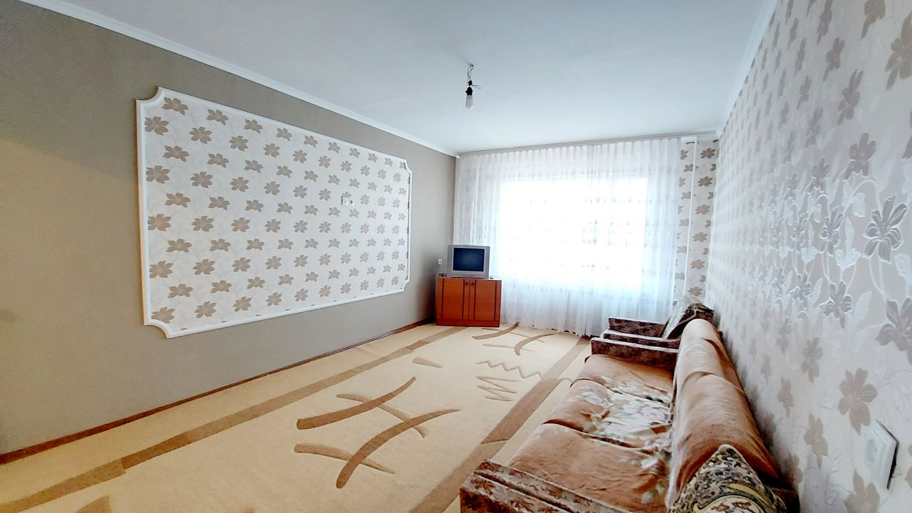 Apartament cu 3 camere + salon, etajul 7. bd. Dacia, Aeroport