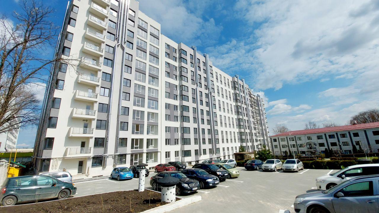 Apartament cu 2 odăi + living în variantă albă. Sky House, str. G. Asachi 69/2