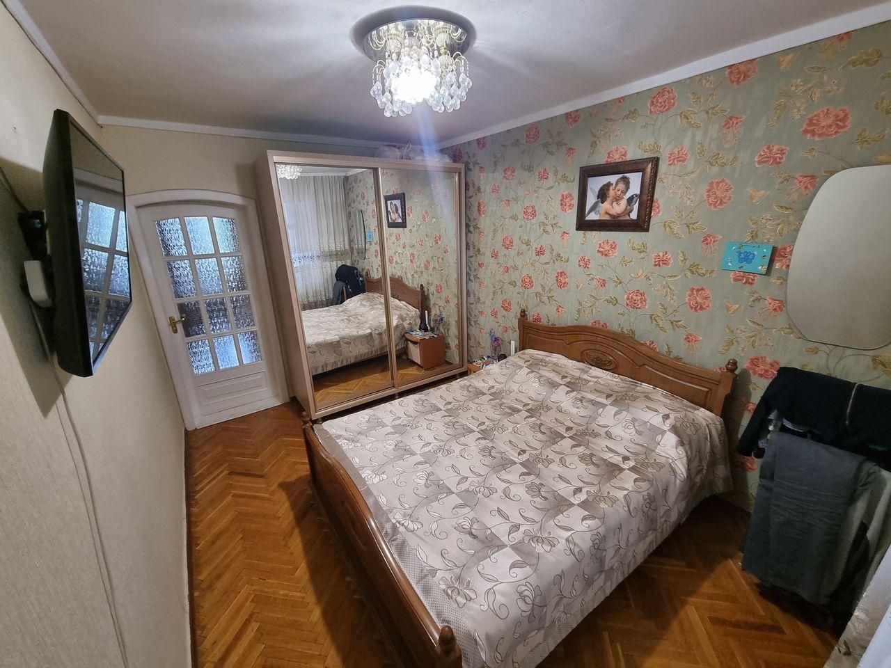 4-х комнатная квартира на Ботаника, бд. Траян